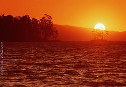 FOT&Oacute;GRAFO: Jaime Villaseca ///<br /> <br /> Lago Calafquen.