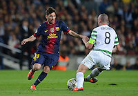 FUSSBALL   INTERNATIONAL   CHAMPIONS LEAGUE   2012/2013      FC Barcelona - Celtic FC Glasgow       23.10.2012 Lionel Messi (li, Barca) gegen Scott Brown (Celtic)