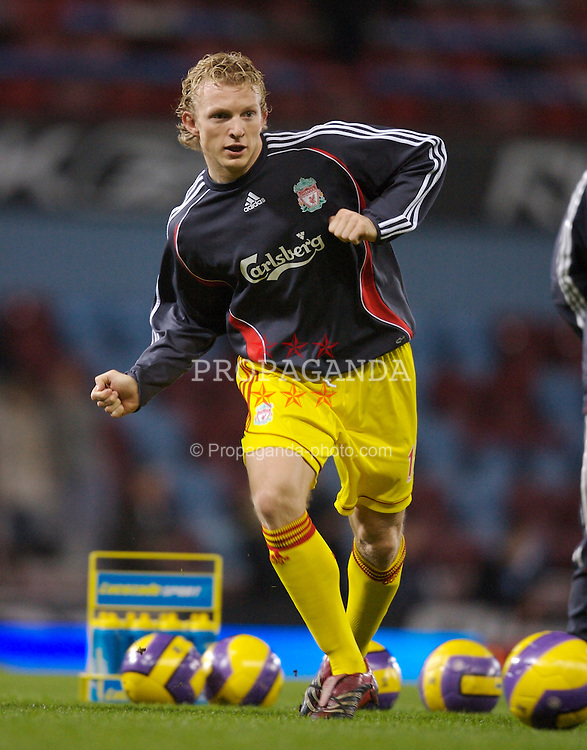 London, England - Tuesday, January 30, 2007: Liverpool's Dirk Kuyt warms-up before the Premiership against West Ham United match at Upton Park. (Pic by David Rawcliffe/Propaganda)