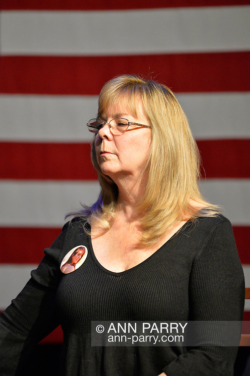 Port Washington, New York, USA. 11th April 2016. SANDY PHILLIPS who lost her daughter Jessica Ghawi in Aurora, Colorado theater shooting, shares her personal story of loss of a loved one due to gun violence, during a discussion with Hillary Clinton and other activists on gun violence prevention. HILLARY CLINTON, the leading Democratic presidential primary candidate, called for stricter gun control legislation, and vowed to take on the gun lobby, NRA National Rifle Association. New York presidential primary is April 19.