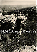 Hikers on the edge<br />