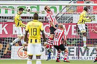 ROTTERDAM - Sparta - Vitesse , Voetbal , Eredivisie , Seizoen 2016/2017 , Het Kasteel , 11-12-2016 ,  eindstand 3-1 , Vitesse speler Ricky van Wolfswinkel (l) scoort de 0-1 omdat Sparta speler Michel Breuer (m). Er niet meer aan komt