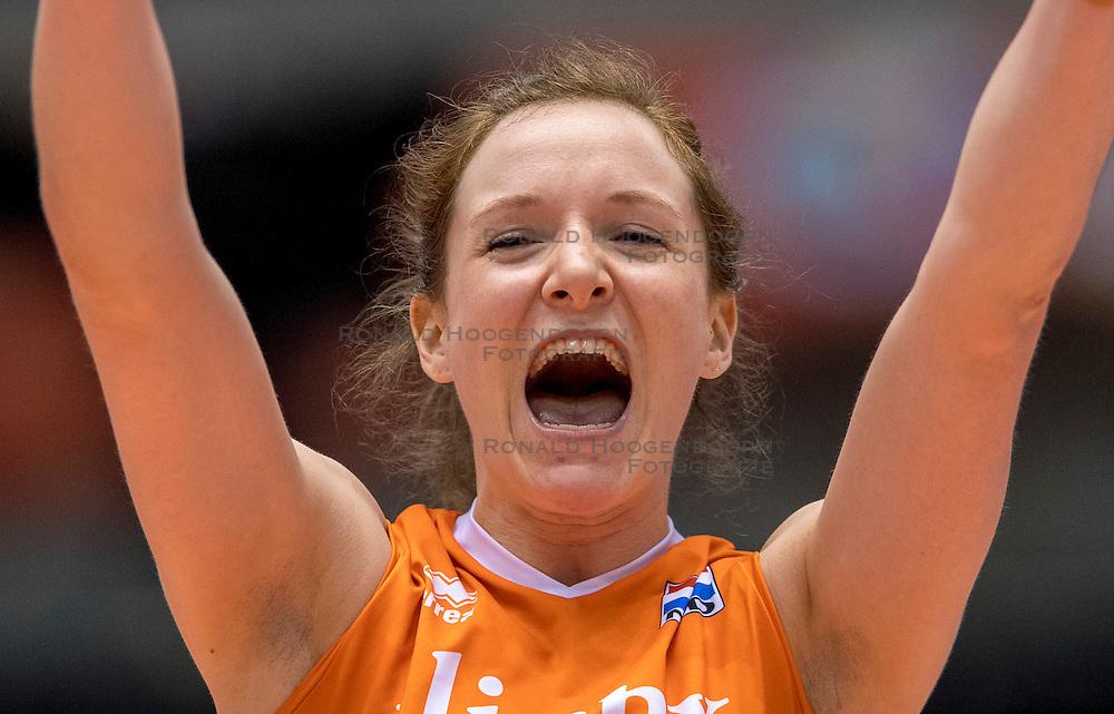 18-05-2016 JAP: OKT Nederland - Dominicaanse Republiek, Tokio<br /> Nederland is weer een stap dichterbij kwalificatie voor de Olympische Spelen. Dit dankzij een 3-0 overwinning op de Dominicaanse Republiek / Lonneke Sloetjes #10