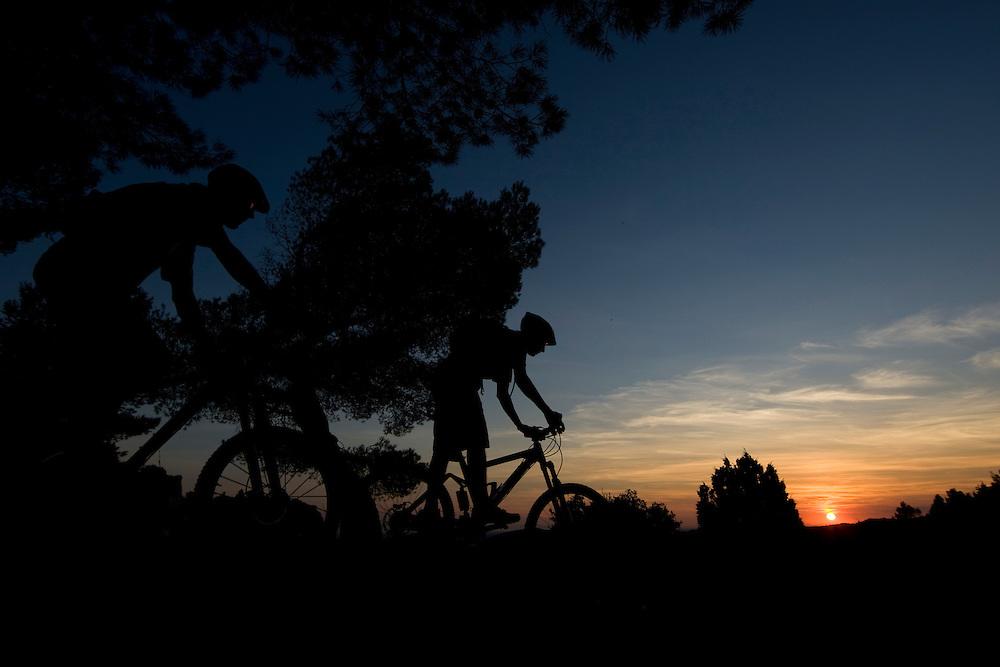 Leaving Les Baux- de-Provence to bicycling back to Saint-Remy-de-Provence