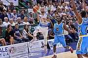 DESCRIZIONE : Beko Legabasket Serie A 2015- 2016 Dinamo Banco di Sardegna Sassari -Vanoli Cremona<br /> GIOCATORE : David Logan<br /> CATEGORIA : Tiro Tre Punti Three Point<br /> SQUADRA : Dinamo Banco di Sardegna Sassari<br /> EVENTO : Beko Legabasket Serie A 2015-2016<br /> GARA : Dinamo Banco di Sardegna Sassari - Vanoli Cremona<br /> DATA : 04/10/2015<br /> SPORT : Pallacanestro <br /> AUTORE : Agenzia Ciamillo-Castoria/L.Canu