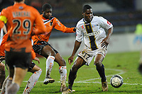 FOOTBALL - FRENCH CHAMPIONSHIP 2009/2010 - L1 - FC LORIENT v FC SOCHAUX - 27/02/2010 - PHOTO PASCAL ALLEE / DPPI - AIDE BROWN IDEYE (SOCHAUX) /ARNOLD MVUEMBA (LORIENT)