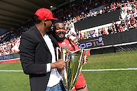 Presentation du Trophee aux Supporters / Delon Armitage / Mathieu Bastareaud  - 09.05.2015 - Toulon / Castres  - 24eme journee de Top 14 <br />