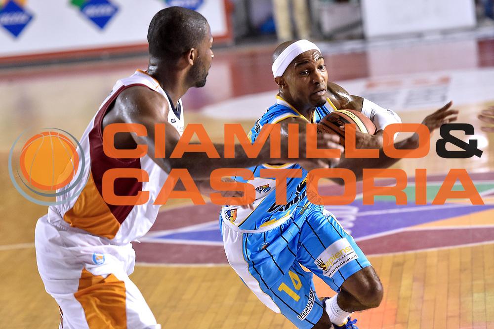 DESCRIZIONE : Roma Lega A 2014-15 Acea Roma vs Vanoli Basket Cremona<br /> GIOCATORE : Ferguson Jazzmar<br /> CATEGORIA : Palleggio con penetrazione<br /> SQUADRA : Vagoli Basket Cremona<br /> EVENTO : Campionato Lega A 2014-2015 GARA : Acea Roma vs Vanoli Basket Cremona<br /> DATA : 07/12/2014 <br /> SPORT : Pallacanestro <br /> AUTORE : Agenzia Ciamillo-Castoria/GiulioCiamillo <br /> Galleria : Lega Basket A 2014-2015 <br /> Fotonotizia : Acea Roma Lega A 2014-15 Acea Roma vs Vanoli Basket Cremona<br /> Predefinita :