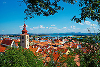 Slovenie, region de Basse-Styrie, Ptuj, ville sur les rives de la Drava (Drave), la Tour de la Ville // Slovenia, Lower Styria Region, Ptuj, town on the Drava River banks, the City Tower