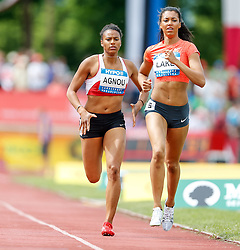 31.05.2015, Moeslestadion, Goetzis, AUT, 41. Hypo Meeting 2015, Siebenkampf der Frauen, 800 m, im Bild v.l. Caroline Agnou (SUI) und Morgan Lake (GBR) // Caroline Agnou of Switzerland and Morgan Lake of Germany during the 41. Hypo Meeting Goetzis 2015, Women' s Heptathlon, 800 meters, at the Moeslestadion, Goetzis, Austria on 2015/05/31. EXPA Pictures © 2015, PhotoCredit: EXPA/ Peter Rinderer
