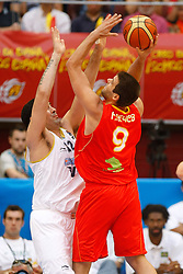 15.08.2010, Logroo, ESP, Friendly Basketball LS, Spain vs Argentia, im Bild Spain's Felipe Reyes (r) and Argentina's Leonardo Gutierrez during Friendly match. EXPA Pictures © 2010, PhotoCredit: EXPA/ Alterphotos/ Acero +++++ ATTENTION - OUT OF SPAIN +++++