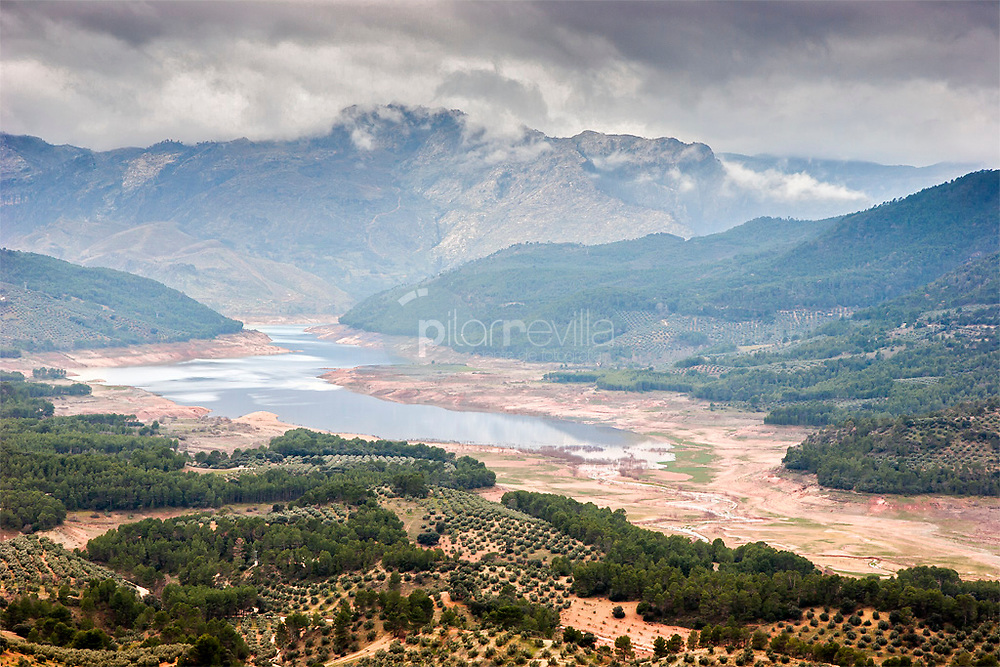 Embalse del Tranco - Sierra de Cazorla ©Javier Abad / PILAR REVILLA