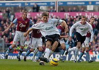 Photo: Glyn Thomas.<br />Aston Villa v Liverpool. The Barclays Premiership. <br />05/11/2005.<br />Liverpool's Steven Gerrard scores from the penalty spot.