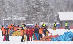 06-03-2016 SWE: Vasaloppet Challenge BvdGF day 7, Sälen<br /> Vandaag een rustig dagje, 90 km langlaufen van Sälen naar Mora in bizarre omstandigheden / Opruimen van de kledingzakken is begonnen