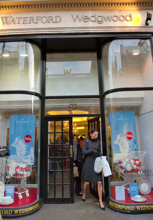 London  Jan 5th Wedgwood store in Piccadilly. Wedgwood is the latest casualty of the High Street having called the administrator early this morning...Please telephone : +44 (0)845 0506211 for usage fees .***Licence Fee's Apply To All Image Use***.IMMEDIATE CONFIRMATION OF USAGE REQUIRED.*Unbylined uses will incur an additional discretionary fee!*.XianPix Pictures  Agency  tel +44 (0) 845 050 6211 e-mail sales@xianpix.com www.xianpix.com