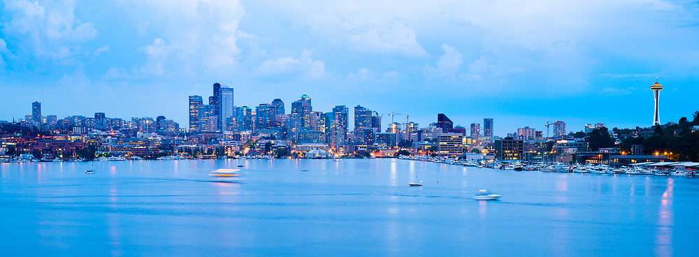 Lake Union and downtonw city skyline of Seattle, Washington State, USA