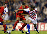 Fotball<br /> EM-kvalifisering<br /> 10.09.2003<br /> Belgia v Kroatia<br /> NORWAY ONLY<br /> Foto: Phot News/Digitalsport<br /> <br /> DANIEL VAN BUYTEN / DADO PRSO