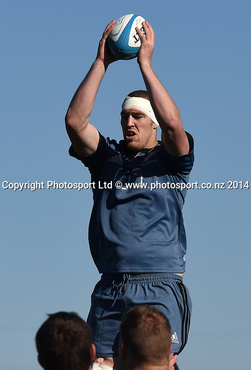 Brodie Retallick training in Chicago today ahead of the test match between the All Blacks and the USA on Saturday. Chicago, USA. Tuesday 28 October 2014. Photo: Andrew Cornaga/www.Photosport.co.nz
