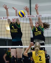25-10-2014 NED: Prima Donna Kaas Huizen - SV Dynamo Apeldoorn, Huizen<br /> Apeldoorn pakt de drie punten door Huizen met 3-0 te verslaan / Danielle Bosman, Danielle de Hooge