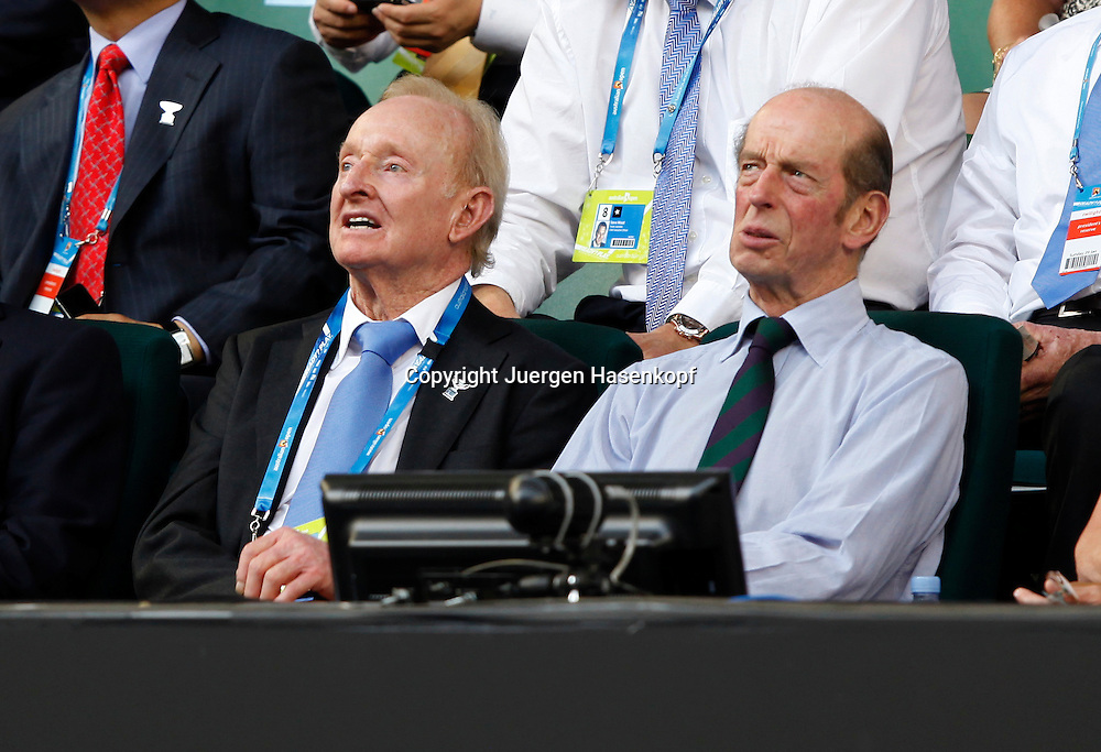 Australian Open 2012, Melbourne Park,ITF Grand Slam Tennis Tournament,.L-R. Tennis Legende Rod Laver (AUS) und der Herzog von Kent als Zuschauer auf der Ehrentribuene,Querformat,Feature,