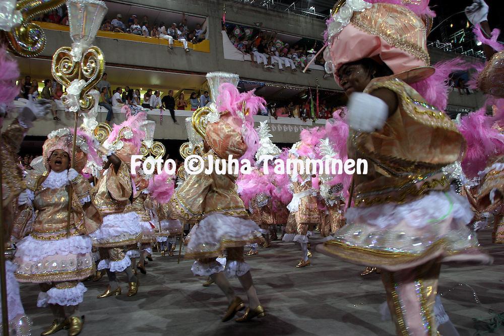 23.02.2004, Samb?dromo, Rio de Janeiro, Brazil..Carnaval 2004 - Desfile das Escolas de Samba, Grupo Especial / Carnival 2004 - Parades of the Samba Schools..Desfile de / Parade of:  GRES Esta?o Primeira de Mangueira.©Juha Tamminen