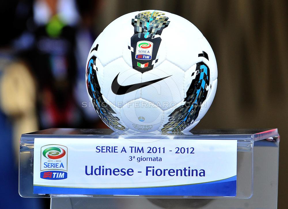 Udine, 18 Settembre 2011.Campionato di calcio Serie A 2011/2012  3^ giornata..Udinese vs Fiorentina. Stadio Friuli..Nella Foto: il pallone di gioco..© foto di Simone Ferraro