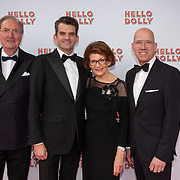 NLD/Rotterdam/20200308 - Premiere Hello Dolly, Maurice Wijnen  met zijn ouders en partner Ronald den Ouden
