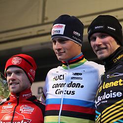 27-12-2019: Wielrennen: DVV veldrijden: Loenhout  <br />Mathieu van der Poel wint in Loenhout