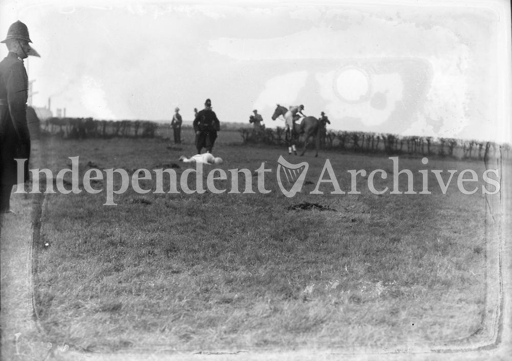 H2876 Grand National - Aintree. The race in progress. March 1934 (Part of the Independent Ireland Newspapers/NLI Collection)
