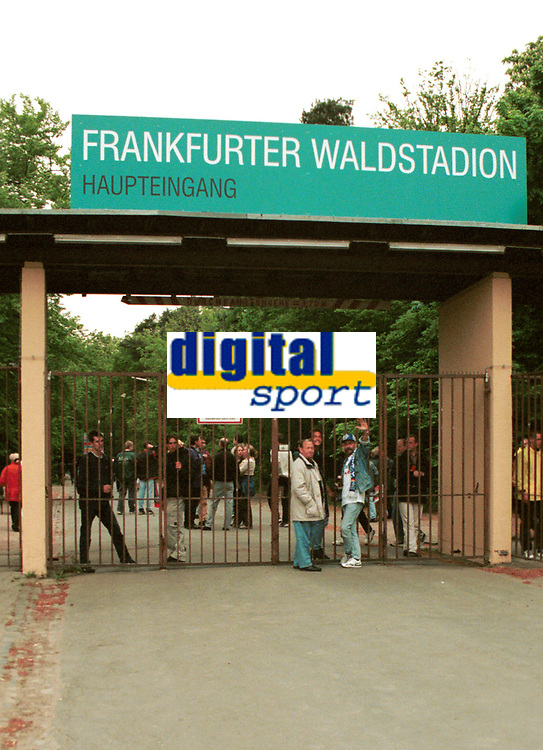 Arena for den aller første europacupfinalen for kvinner, 23. mai 2002. Waldstadion i Frankfurt, Tyskland. Mai 1999. (Foto: Peter Tubaas/Digitalsport)