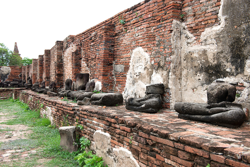 Headless Buddha Statue in Wat Mahathat of Ayutthaya, Thaliand