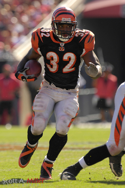 Oct. 15, 2006; Tampa, FL, USA;  Cincinnati Bengals running back (32) Rudi Johnson heads up field during the second half of the Bengals game against the Tampa Bay Buccaneers at Raymond James Stadium. ...©2006 Scott A. Miller