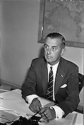 27/07/1962<br /> 07/27/1962<br /> 27 July 1962<br /> Aer Lingus- Irish International Airlines AGM, press conference at General Manager's Office, O'Connell Street, Dublin. <br /> Picture shows (l-r): Mr J.F. Dempsey, General Manager, Aer Lingus Irish International Airlines.