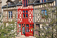 France, Region Centre-Val de Loire, Loiret (45), Orléans, rue de la Charpenterie // France, Loiret, Orleans, Charpenterie street