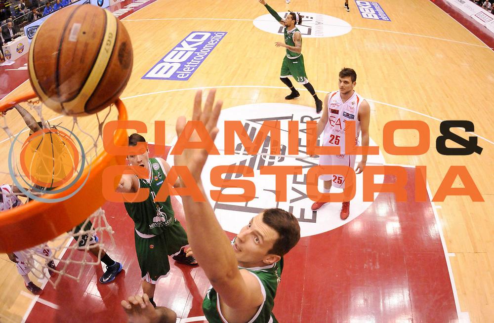 DESCRIZIONE : Milano Lega A 2012-13 Play Off Quarti di Finale Gara2 EA7 Olimpia Armani Milano Montepaschi Siena<br /> GIOCATORE : Benjamin Ortner<br /> SQUADRA : Montepaschi Siena<br /> EVENTO : Campionato Lega A 2012-2013 Play Off Quarti di Finale Gara2<br /> GARA :  EA7 Olimpia Armani Milano Montepaschi Siena<br /> DATA : 12/05/2013<br /> CATEGORIA : Tiro<br /> SPORT : Pallacanestro<br /> AUTORE : Agenzia Ciamillo-Castoria/A.Giberti<br /> Galleria : Lega Basket A 2012-2013<br /> Fotonotizia : Milano Lega A 2012-13 EA7 Olimpia Armani Milano Montepaschi Siena<br /> Predefinita :