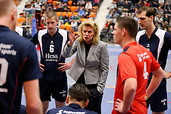 25-01-2013 VOLLEYBAL: EREDIVISIE FUSION - ZAANSTAD : ROTTERDAM<br /> Elvira Groenhuijzen, Coach van Fusion tijdens een time-out<br /> ©2012-FotoHoogendoorn.nl / Pim Waslander