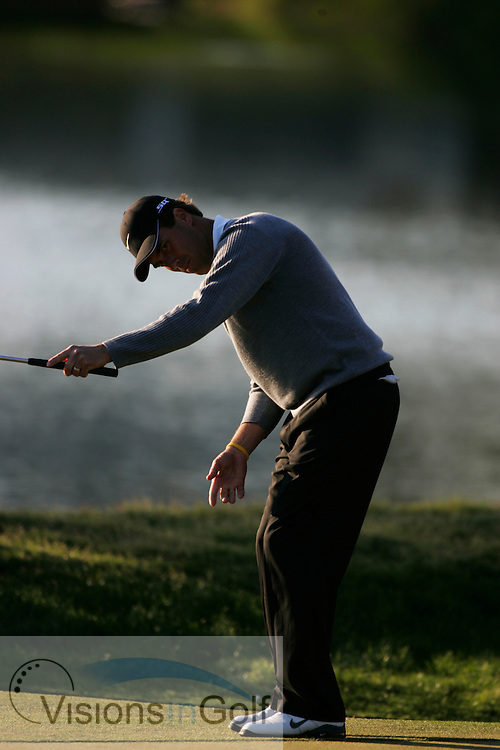 Stephen Ames watches his eagle put go in on the 16th  on his way to winning <br /> THE PLAYERS Championship at TPC Sawgrass GC, Stadium, Ponte Vedra, Jacksonville, Florida USA. 26th March 2006. Day 4 final day<br /> Picture Credit:   Mark Newcombe / visionsingolf.com