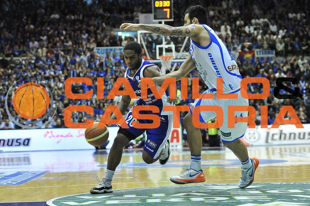 DESCRIZIONE : Gara 7 PlayOff Banco di Sardegna Dinamo Sassari - Lenovo Pallacanestro Cant&ugrave;<br /> GIOCATORE : Joe Ragland<br /> CATEGORIA : Palleggio Penetrazione<br /> SQUADRA :  Lenovo Cant&ugrave;<br /> EVENTO : PlayOff<br /> GARA : Banco di Sardegna Dinamo Sassari - Lenovo Pallacanestro Cant&ugrave;<br /> DATA : 21/05/2013<br /> SPORT : Pallacanestro <br /> AUTORE : Agenzia Ciamillo-Castoria / Luigi Canu<br /> Galleria : Lega Basket A 2012-2013  <br /> Fotonotizia : Gara 7 PlayOff Banco di Sardegna Dinamo Sassari - Lenovo Pallacanestro Cant&ugrave;<br /> Predefinita :
