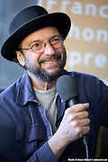 Portrait de Michel Rivard en direct lors de l'émission radiophonique Francophonie Express  à  Bar Alice de l'hôtel Omni / Montreal / Canada / 2016-06-07, Photo © Marc Gibert / adecom.ca