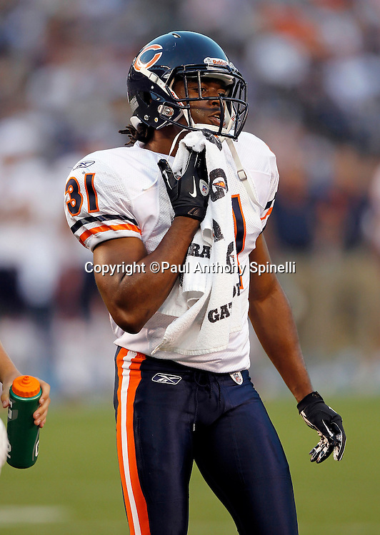 Chicago Bears rookie cornerback Joshua Moore (31) towels off during a NFL week 1 preseason football game against the San Diego Chargers, Saturday, August 14, 2010 in San Diego, California. The Chargers won the game 25-10. (©Paul Anthony Spinelli)