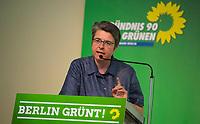 DEU, Deutschland, Germany, Berlin, 21.04.2018: Die Bezirksbürgermeisterin von Friedrichshain-Kreuzberg, Monika Herrmann (B90/Die Grünen), bei der Landesdelegiertenkonferenz von Bündnis 90/Die Grünen in Berlin-Adlershof.