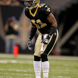 2009 November 30: New Orleans Saints safety Roman Harper (41) lines up for a play during a 38-17 win by the New Orleans Saints over the New England Patriots at the Louisiana Superdome in New Orleans, Louisiana.