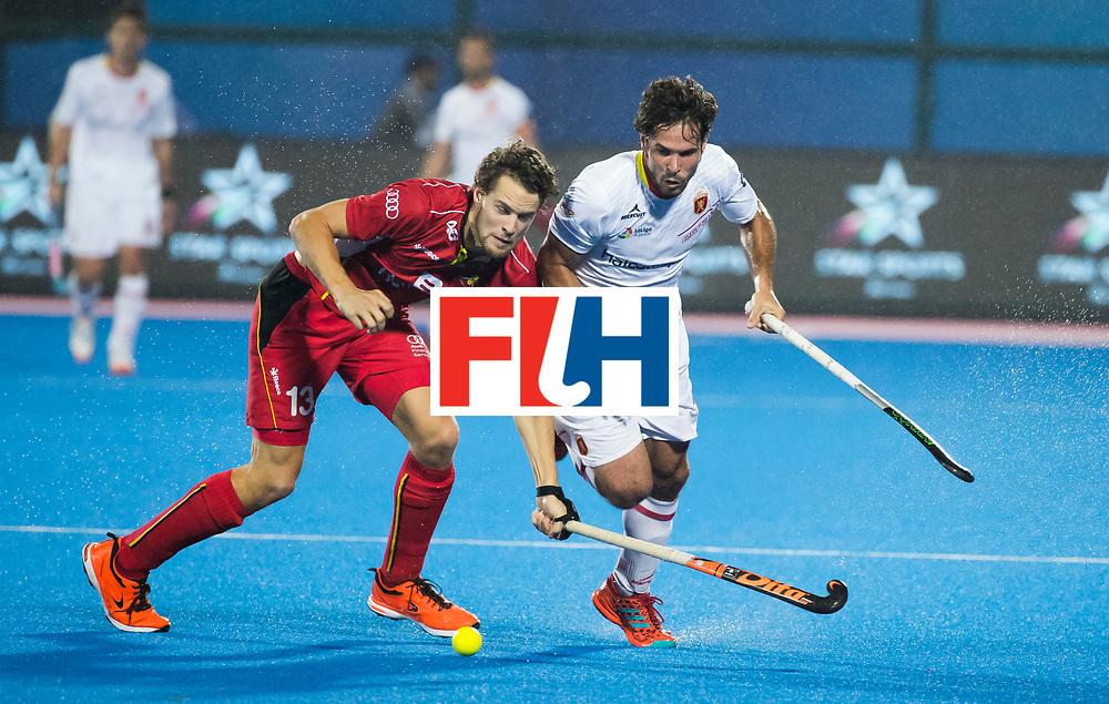 BHUBANESWAR - Nicolas de Kerpel (Bel) met Pau Quemada (Esp)   Hockey World League finals , wedstrijd om de 5e plaats. Belgie-Spanje.  COPYRIGHT KOEN SUYK