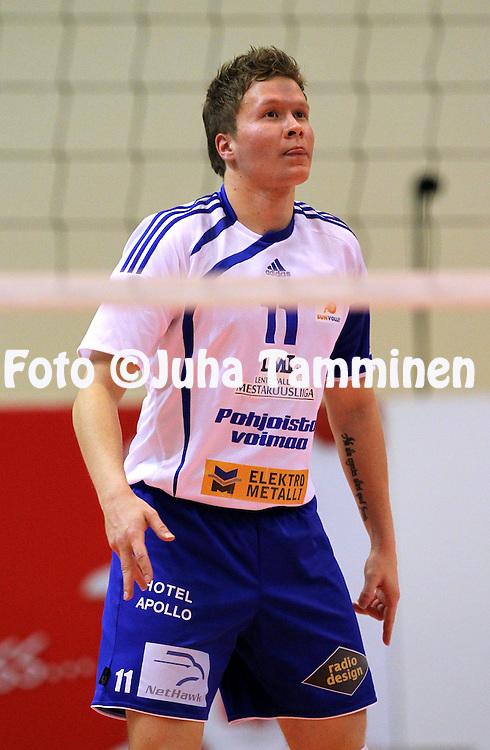 17.1.2011, Pyynikin Palloiluhalli, Tampere..Lentopallon Mestaruusliiga 2010-11..Tampereen Isku-Volley - Sun-Volley (Oulu)..Juho Rajala - Sun-Volley.©Juha Tamminen.