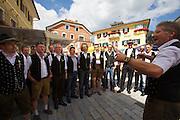 Kärntnernudelfest (Carinthian Dumplings Festival) in Oberdrauburg 2011. Opening choir.