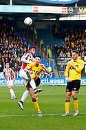 20-12-2015 VOETBAL:WILLEM II-RODA JC:TILBURG<br /> Funso Ojo van Willem II in duel met Hicham Faik van Roda JC <br /> <br /> Foto: Geert van Erven