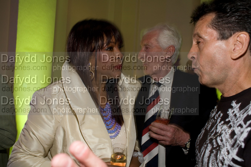 MARY WILSON, HARRY GOODWIN AND FRANK ALLEN,( SEARCHERS)   The Story of the Supremes from the Mary Wilson<br />Collection. V. & A. Museum. London. 12 May 2008 *** Local Caption *** -DO NOT ARCHIVE-© Copyright Photograph by Dafydd Jones. 248 Clapham Rd. London SW9 0PZ. Tel 0207 820 0771. www.dafjones.com.