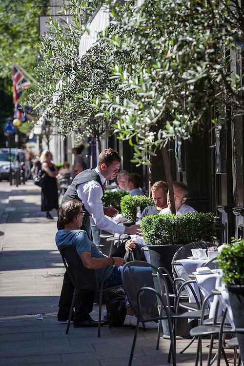 covent garden london england uk street photography