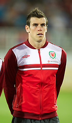 NOVI SAD, SERBIA - Tuesday, September 11, 2012: Wales' Gareth Bale lines-up before the 2014 FIFA World Cup Brazil Qualifying Group A match against Serbia at the Karadorde Stadium. (Pic by David Rawcliffe/Propaganda)