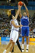 ATENE, 17 AGOSTO 2004<br /> OLIMPIADI ATENE 2004<br /> BASKET <br /> ITALIA - SERBIA E MONTENEGRO <br /> NELLA FOTO: RODOLFO ROMBALDONI<br /> FOTO CIAMILLO